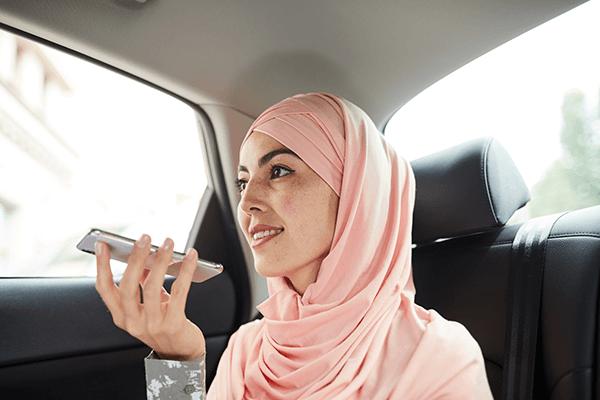 muslim-woman-in-taxi-1-1