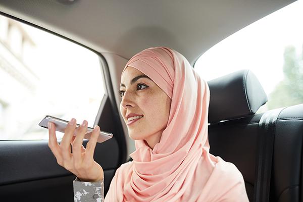 muslim-woman-in-taxi-1
