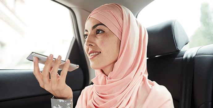 muslim-woman-in-taxi