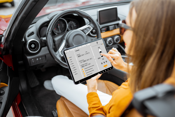 How to Develop Automotive Apps - Key Features and Categories